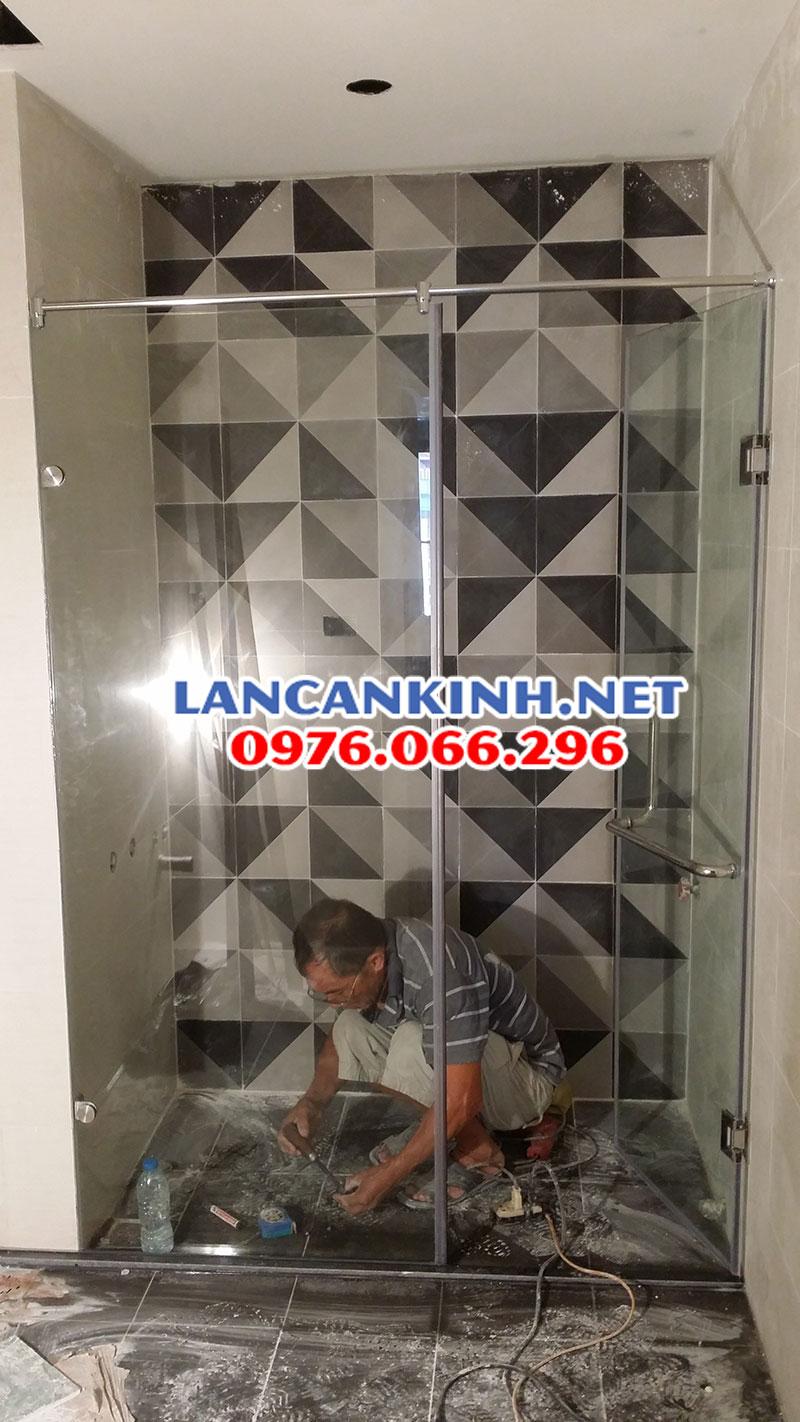 vach-tam-kinh-thi-cong-xong-lancankinh.net