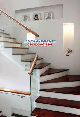 Cầu thang kính cường lực 10mm (10ly)