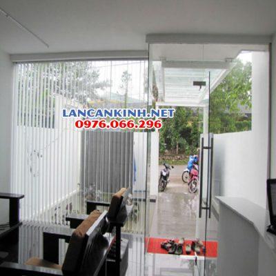 cửa kính cường lực 12 mm (12 ly)