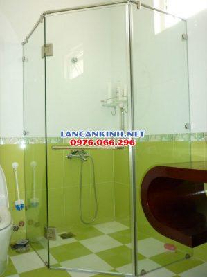 Vách kính nhà tắm vát góc